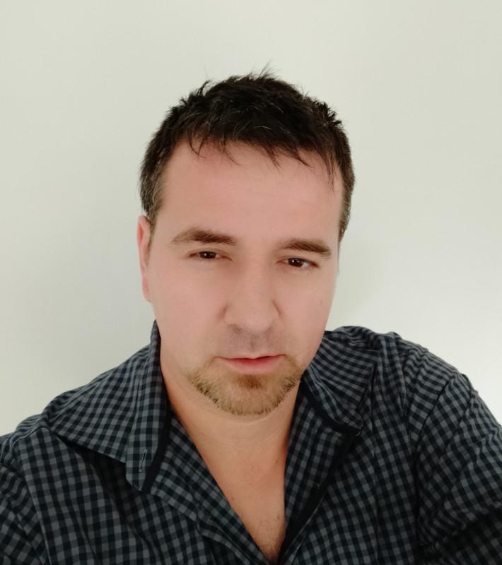 Hogyinszki Csaba angoltanár